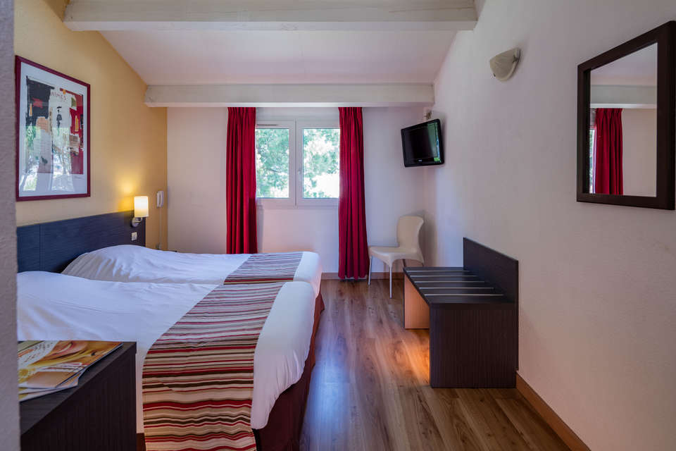 Mona Lisa Royal Hôtel - Aigues Mortes - Royal_Hotel_-_Chambre_standard_twin_-_Robert_Palomba__83_.jpg