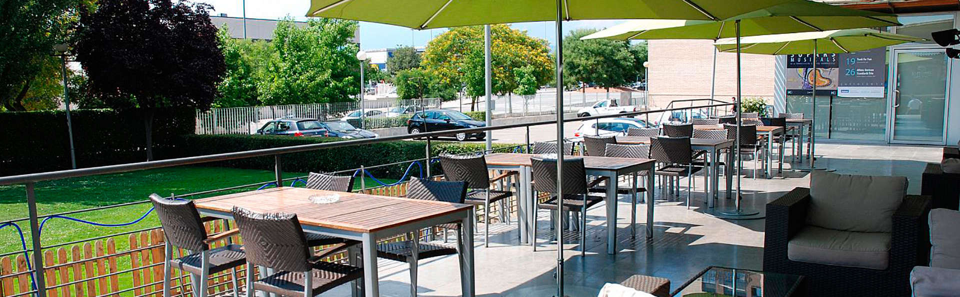 Hotel Granollers - EDIT_terrace.jpg