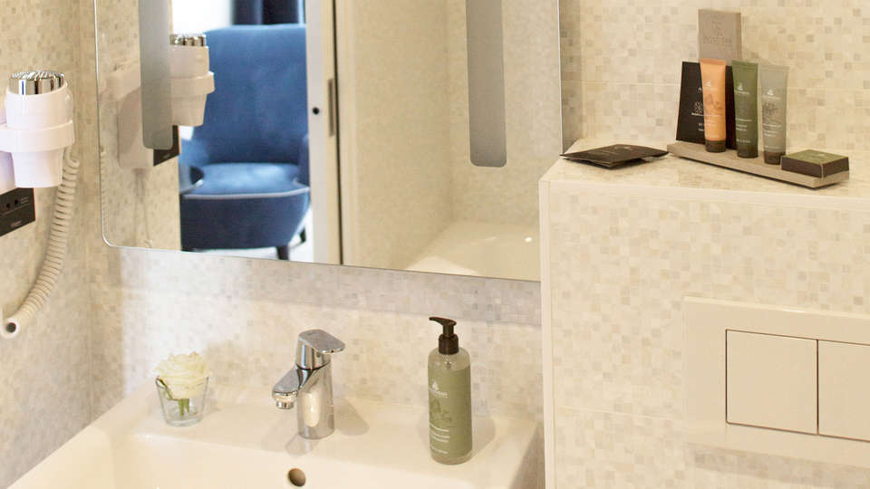 BEST WESTERN PLUS Hôtel Isidore - EDIT_bath1.jpg