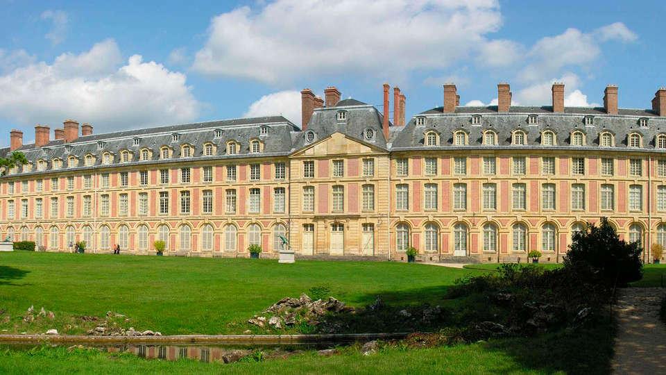 Hôtel Léonard De Vinci - EDIT_fontainebleau3.jpg