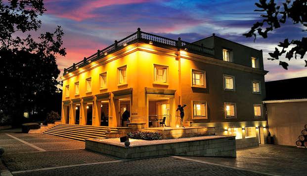 Escapada enológica con cata y visita VIP a la Bodega Marqués de Cáceres