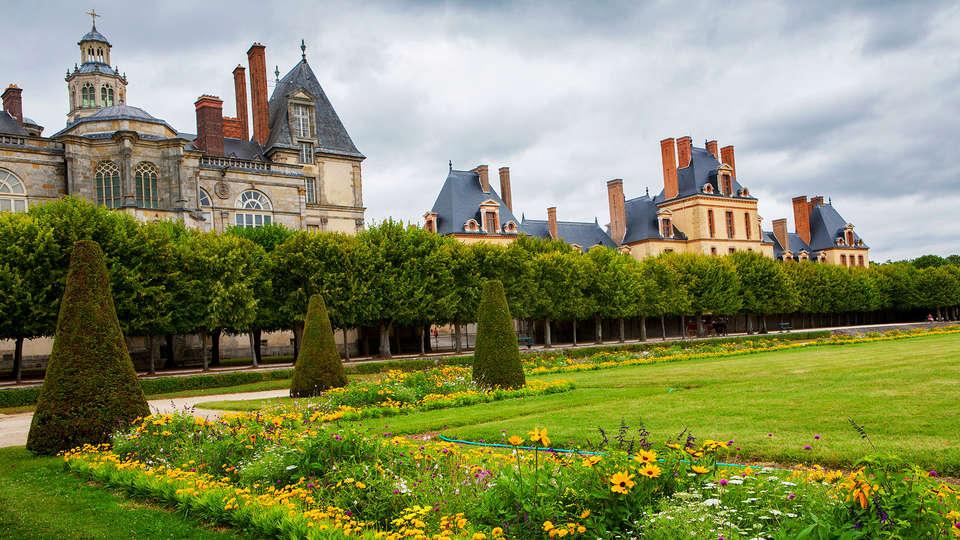 Hôtel Léonard De Vinci - EDIT_fontainebleau.jpg