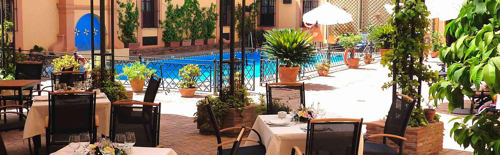 Hotel Alcázar de la Reina - EDIT_patio5.jpg