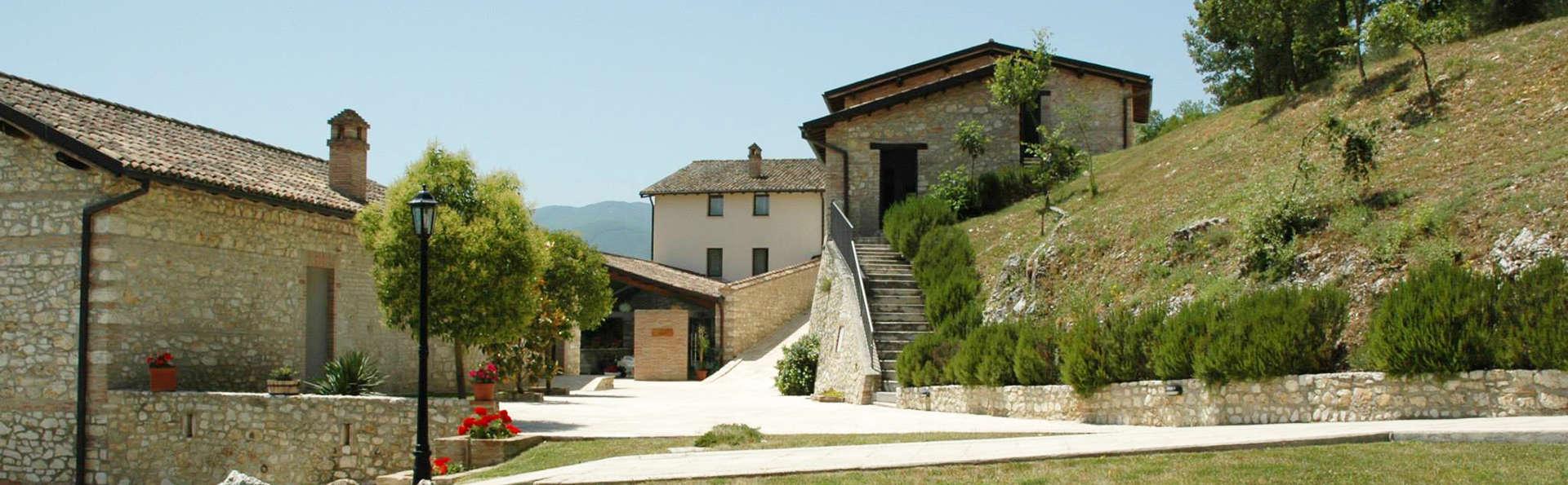 Relais Villa d'Assio - edit_facade.jpg