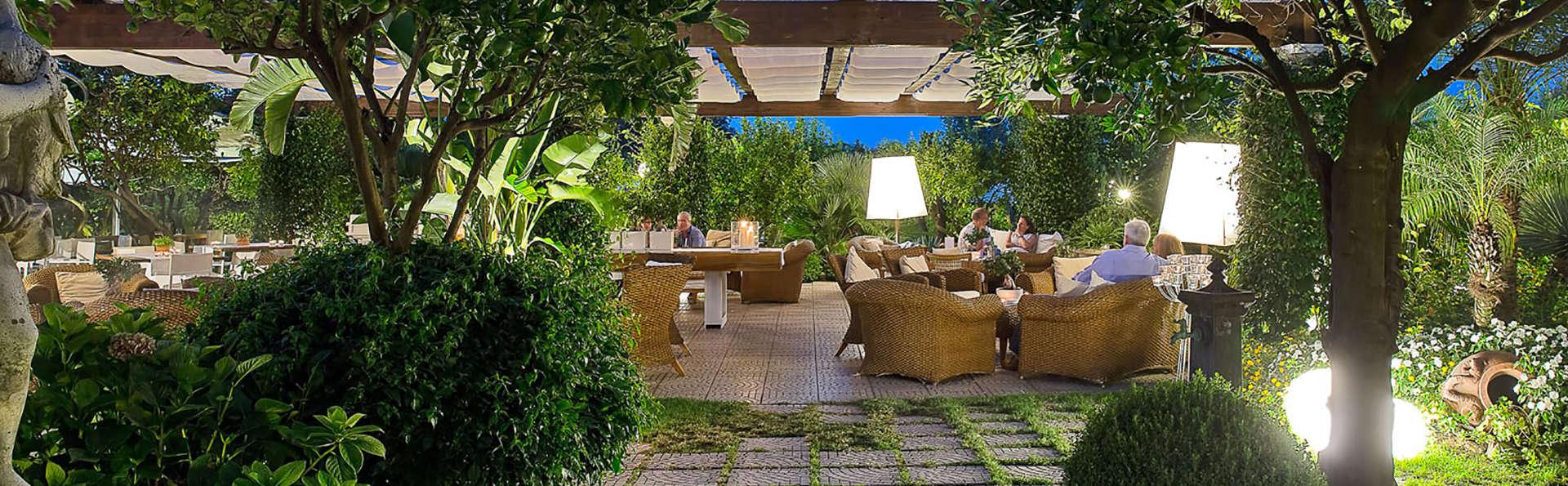 La Medusa Hotel & Boutique Spa - edit_terras.jpg