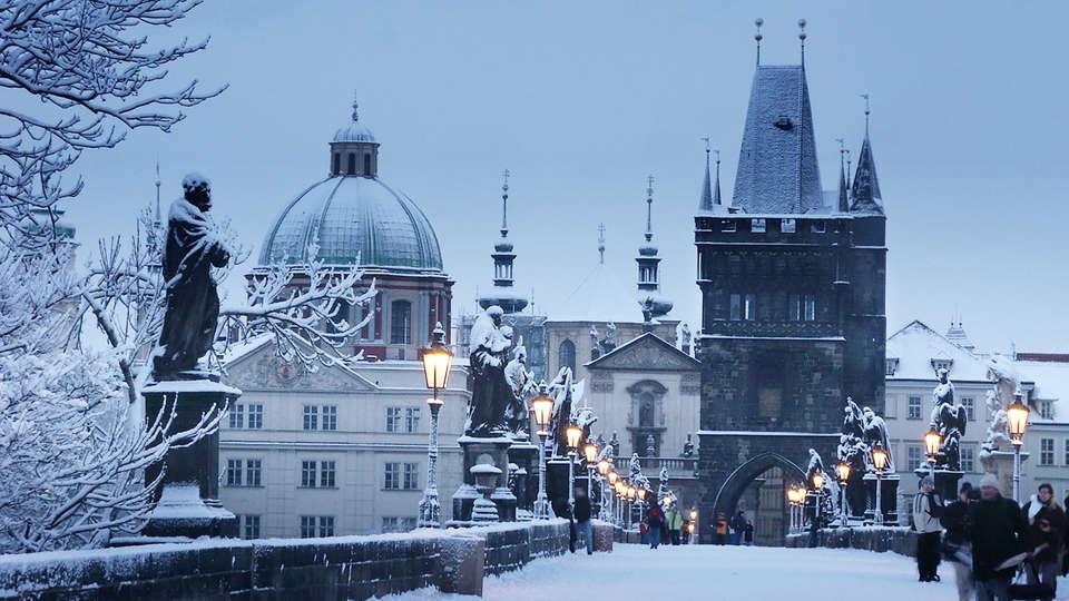 Hotel Leonardo Prague - edit_Charles_Bridge_in_Winter.jpg