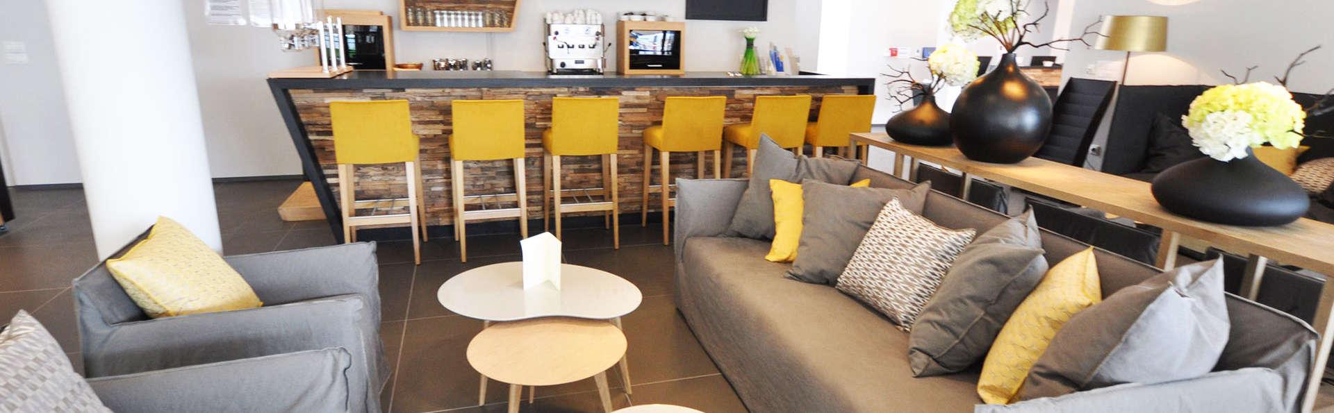 Hotel The Originals Vannes (ex Qualys-Hotel) - EDIT_bar.jpg