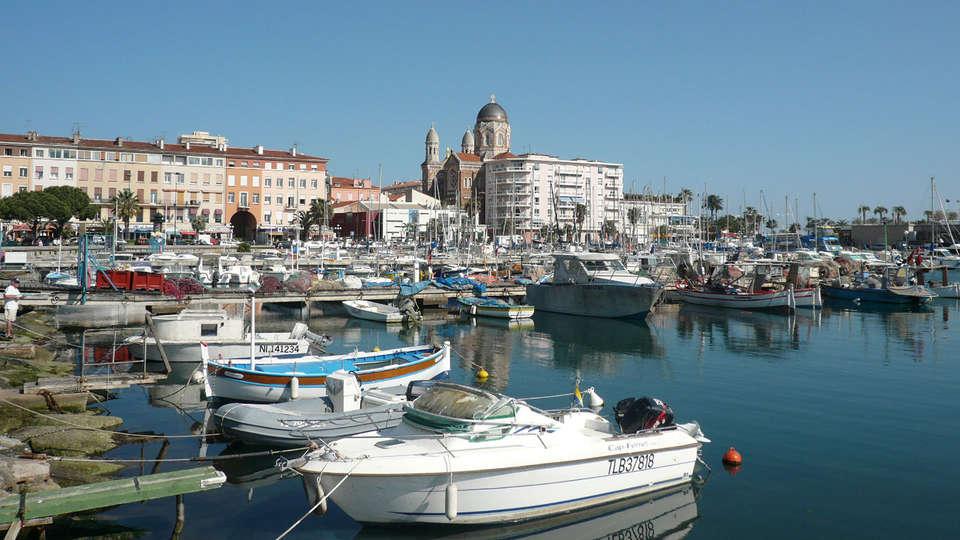 Dolce Frégate Provence - EDIT_port.jpg