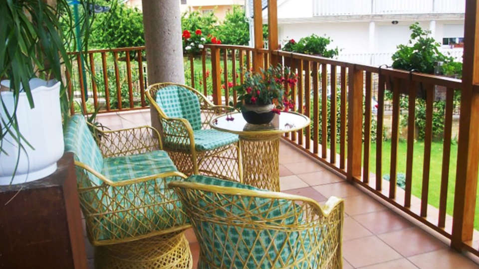 Hotel Rural Villa Mencía - EDIT_terrace1.jpg