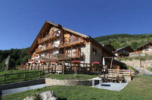 Grand h tel spa nuxe serre chevalier 4 saint chaffrey for Reservation hotel paca