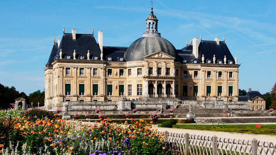 Hôtel et SPA Les Pléiades  - EDIT_Vaux-le-Vicomte4.jpg