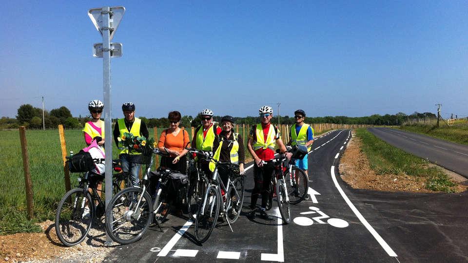 Nîmotel - EDIT_bike1.jpg