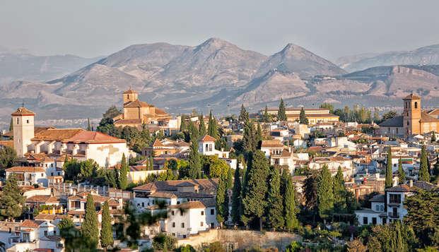 Escapada cultural en Granada con visita guiada por el Albaicín y Sacromonte
