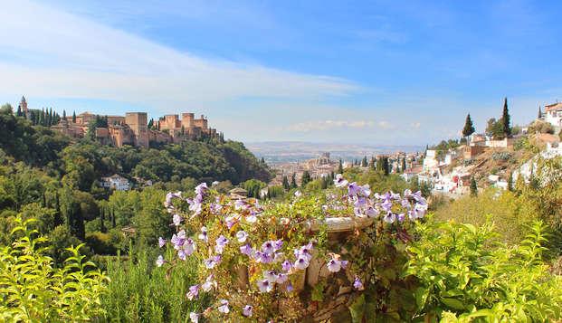 Un paseo mágico por los barrios de Albaicín y Sacromonte (con guía incluido)
