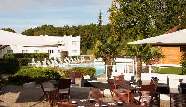 Novotel Fontainebleau Ury - terrace