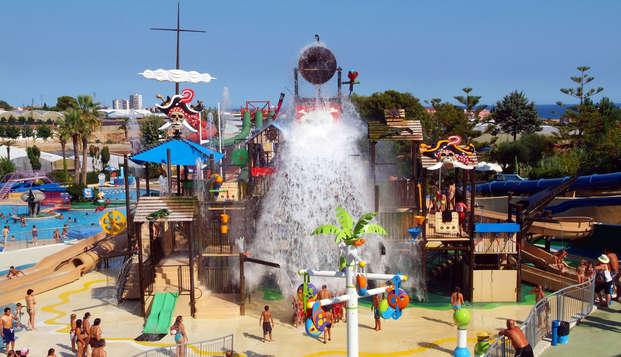 Escapada con desayuino incluido y entrada al parque Illa Fantasia en la Costa Maresme