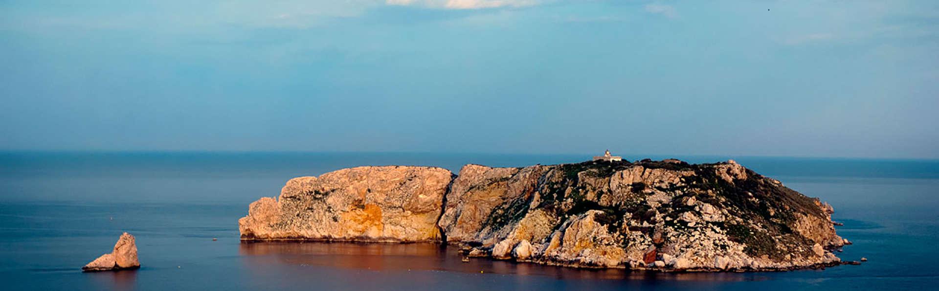 Hotel & Diving Les Illes - EDIT_destination.jpg