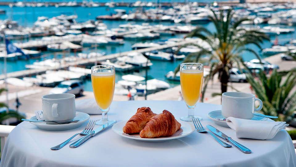 Hotel & Diving Les Illes - EDIT_terrace.jpg
