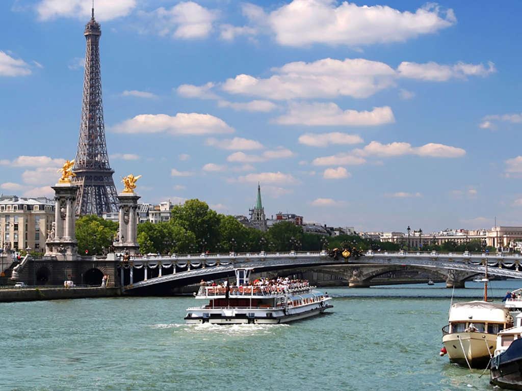 Séjour Seine-Saint-Denis - Romantisme à deux pas de Paris avec croisière sur la Seine  - 4*