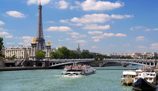 Promenade en bateaux sur la Seine et visite de Musée Grévin pour un séjour inoubliable !