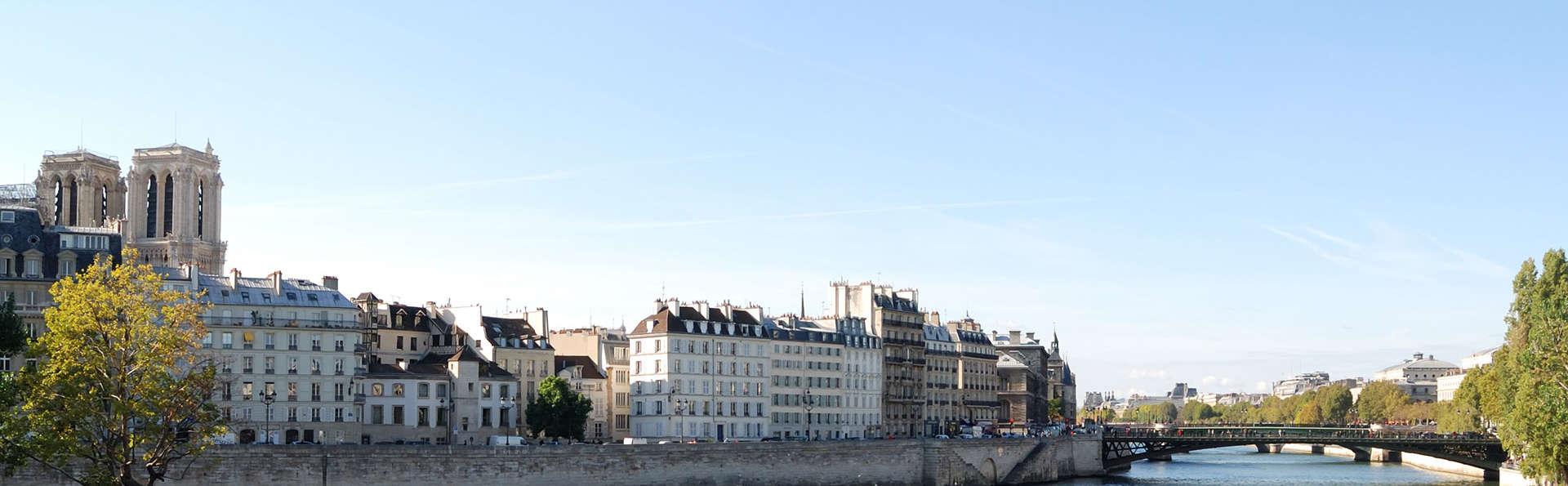 Uitje naar Parijs aan de voet van de Eiffeltoren en cruise op de Seine