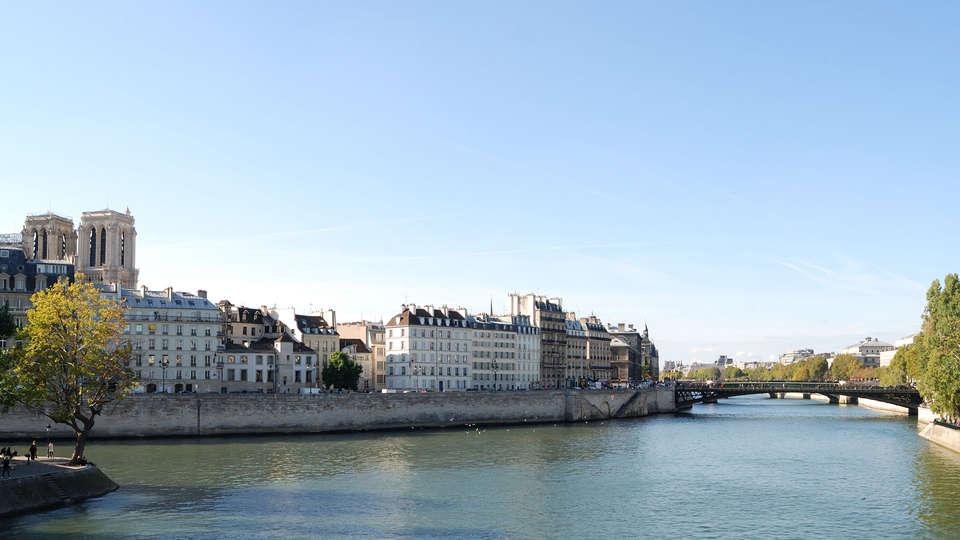 Pullman Paris Tour Eiffel - EDIT_mouches3.jpg