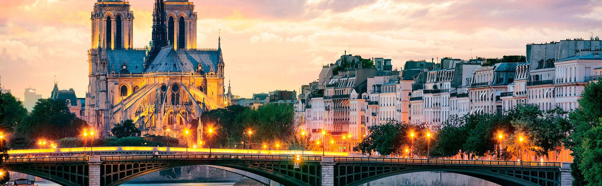 Naviguez sur la Seine lors d'un week-end deluxe à Paris