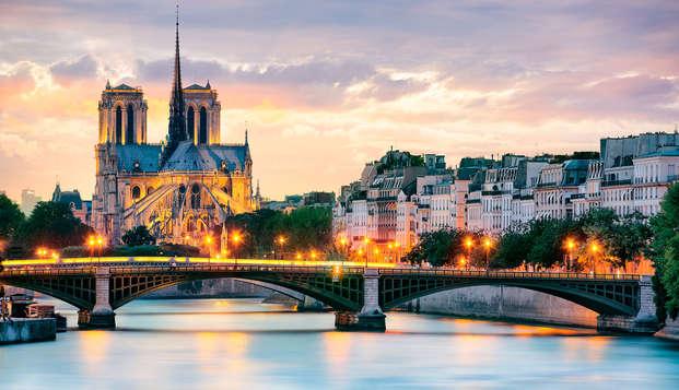 Navega por el Sena durante un fin de semana de lujo en París