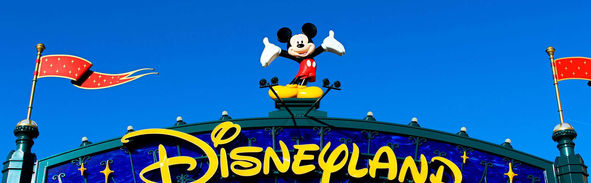 Week-end en famille avec entrée aux parcs Disneyland® Paris (2 Jours / 2 Parcs)