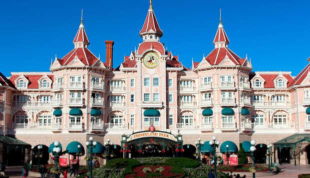 Estancia familiar con entradas para los 2 parques Disneyland® París (pase 2 días/2 parques)