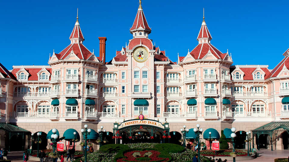 Vienna House Dream Castle Hotel Paris - EDIT_disneyland2.jpg