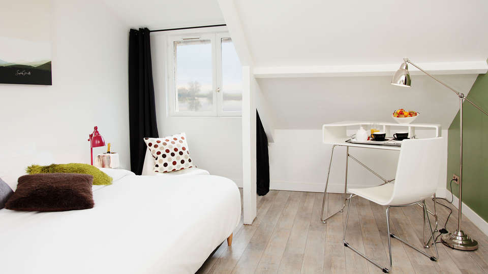 Les Canisses - EDIT_room2.jpg
