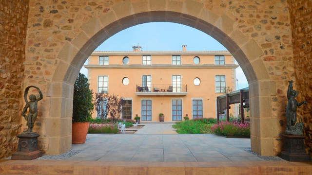 Escapada en habitación prestige en hotel boutique en plena naturaleza catalana