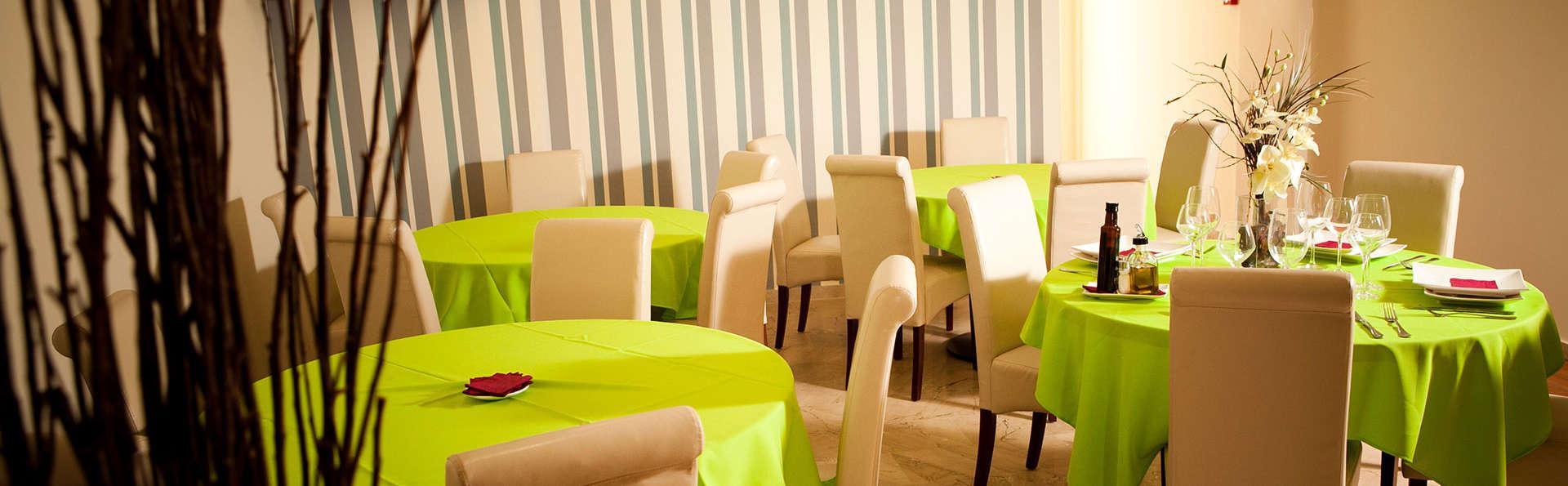 GCE Hoteles - EDIT_restaurant2.jpg