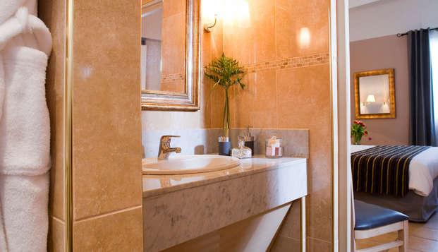 Hotel Artea Aix Centre - bathroom