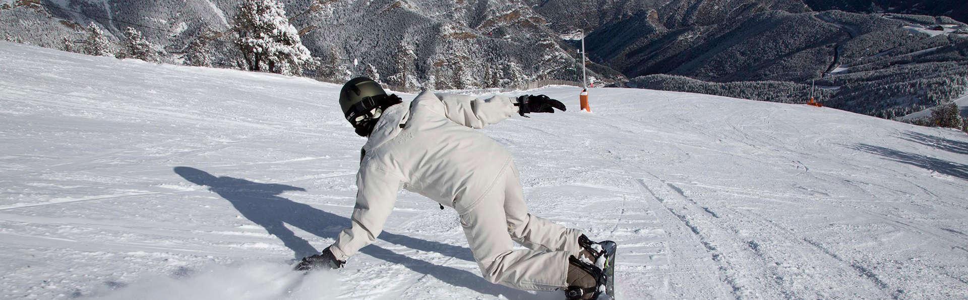 ¡Atención! Especial rebajas esquí en media pensión y forfait de dos días en Pal Arinsal
