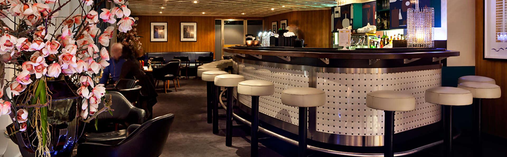 ss Rotterdam Hotel and Restaurants - EDIT_bar1.jpg