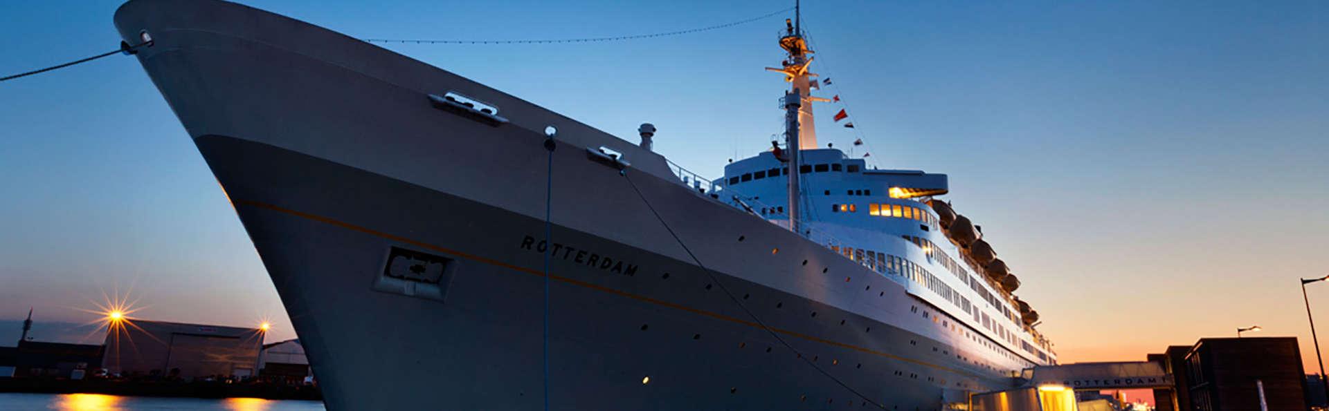 Luxe, comfort en gastvrijheid op een voormalig cruiseschip in Rotterdam