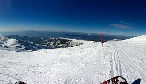 Escapada esquí en Sierra nevada con forfait y hotel a pie de pista