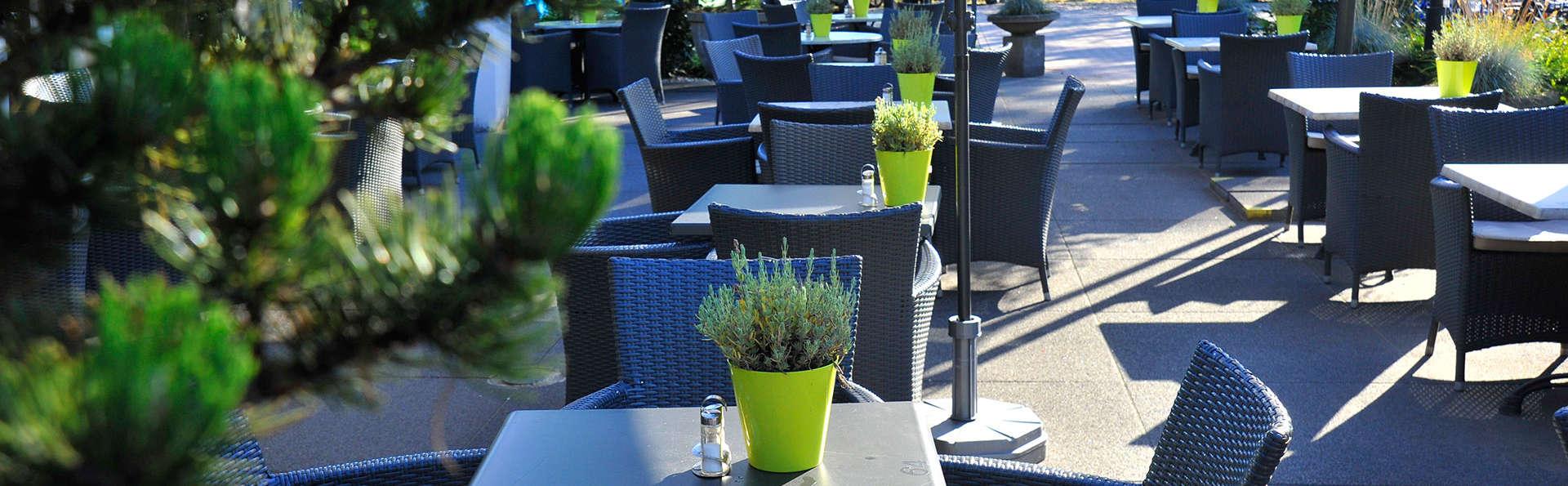 Fletcher Hotel-Restaurant Jagershorst-Eindhoven - EDIT_terrace2.jpg