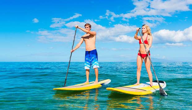 Escapada deportiva en Chiclana de la Frontera con paddle surf