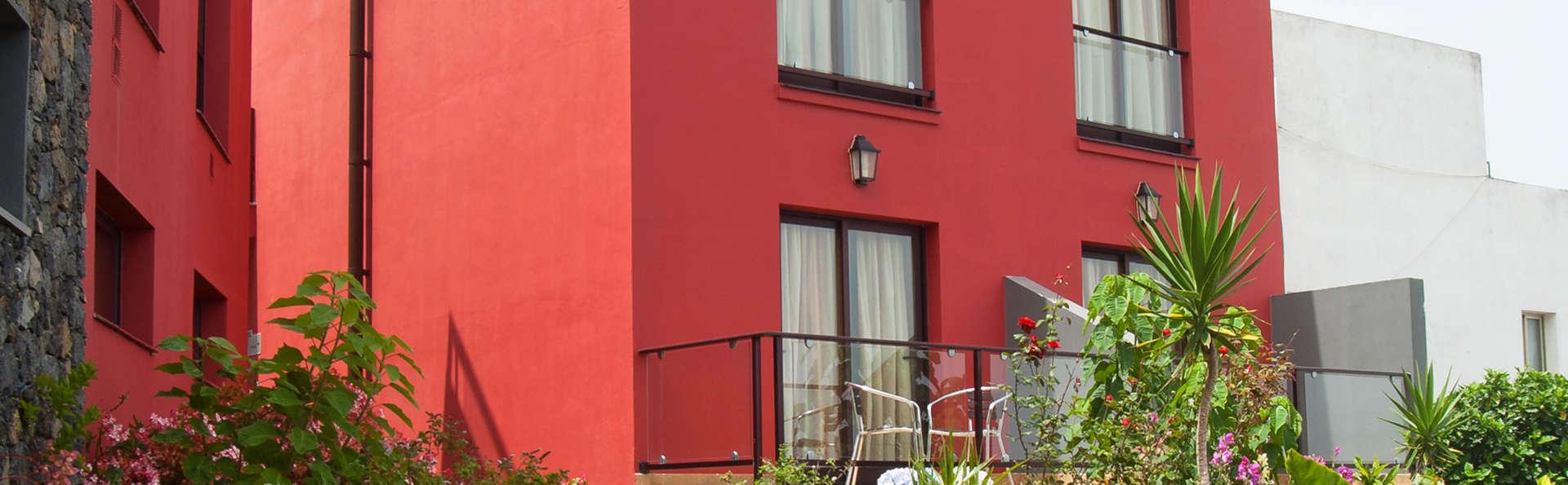 Hotel Villa El Mocanal - edit_facade_terras.jpg