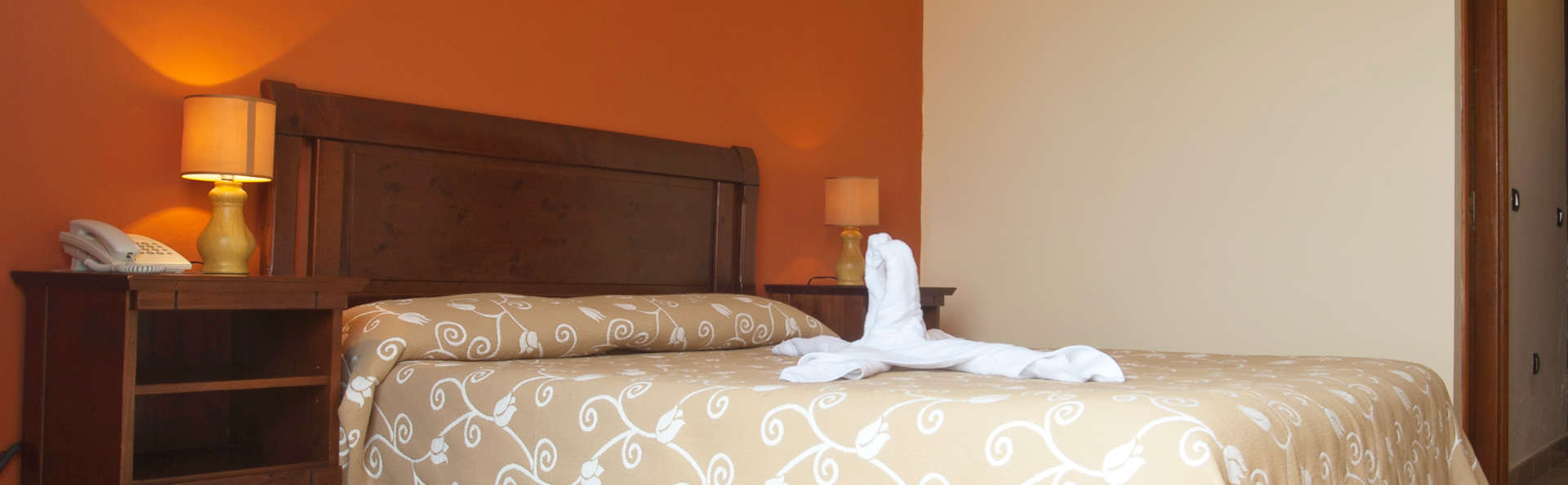 Hotel Villa El Mocanal - edit_room2.jpg