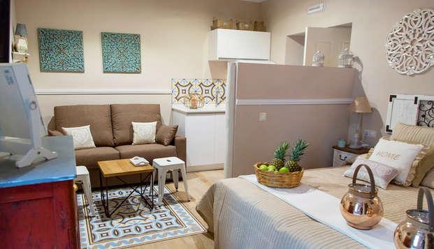 Escápate unos días a Granada y descansa en un estudio con cocina equipada