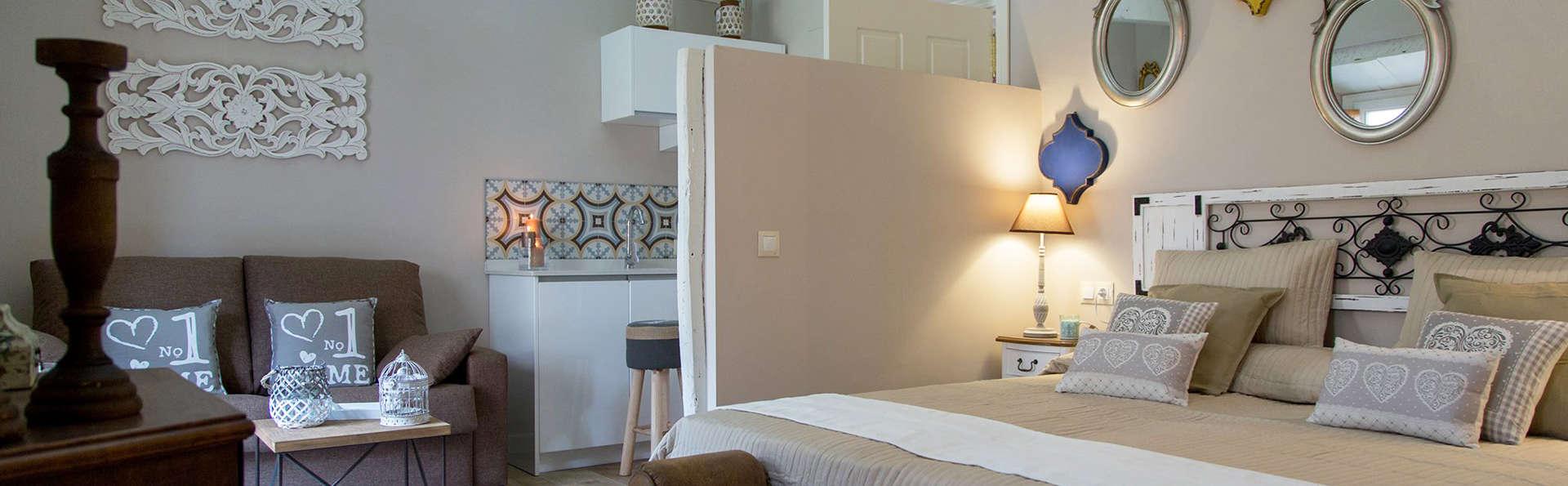 Palacio de Almagra - edit_room10.jpg