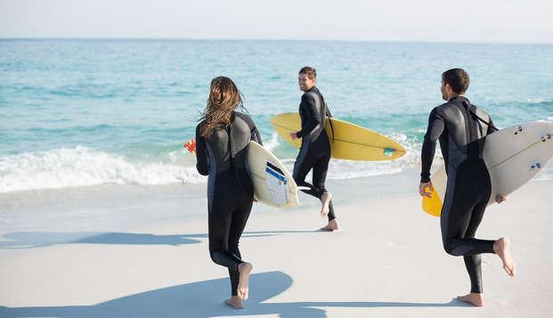 Escapada con Cava, Parking y curso de Surf con monitor en la famosa playa de San Lorenzo