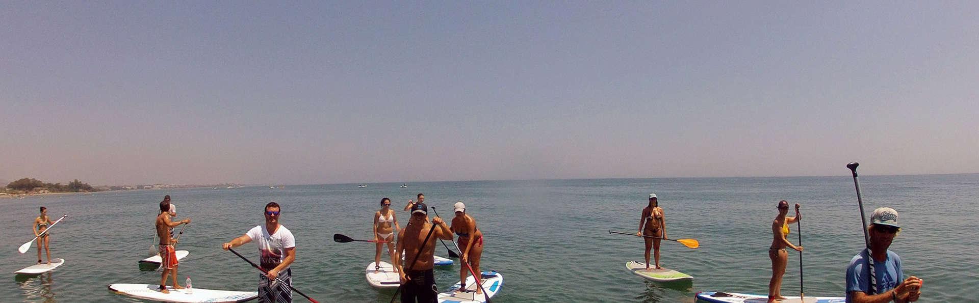 Escapade sportive avec le paddle surf en apartament de luxe à Estepona