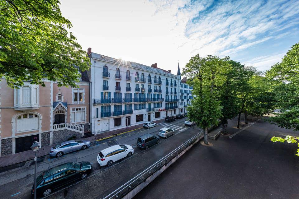 Hôtel Mona Lisa - Néris les bains - Neris_-_facade_-_Robert_Palomba__18_.jpg