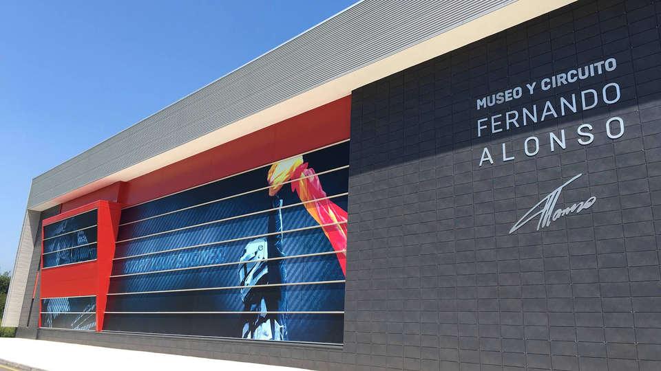 Museo Y Circuito Fernando Alonso : Fernando alonso museo fórmula · cómo llegar · museos asturias