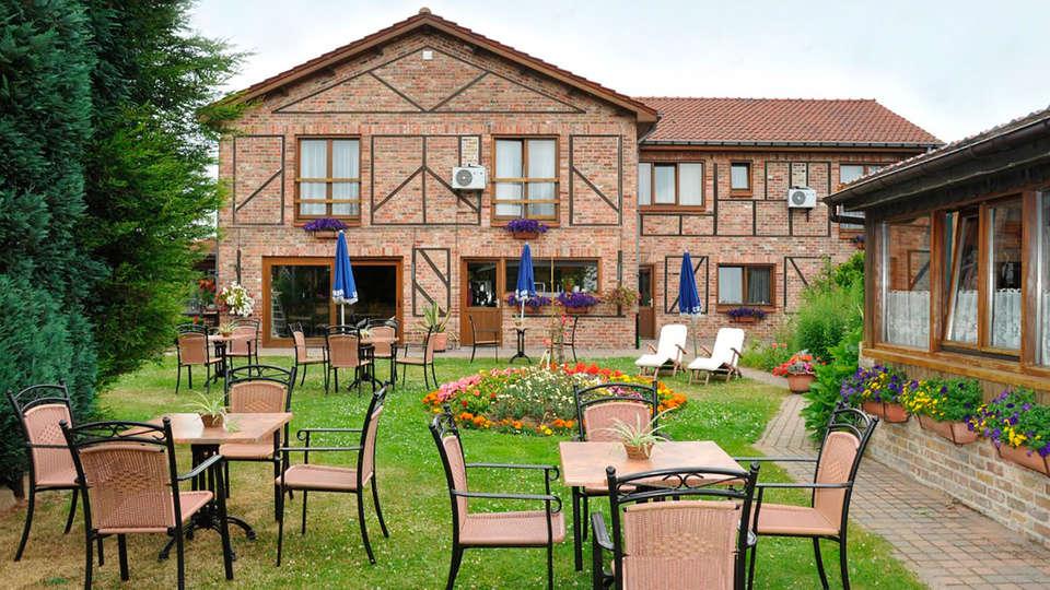De Stokerij Hotel - EDIT_front1.jpg